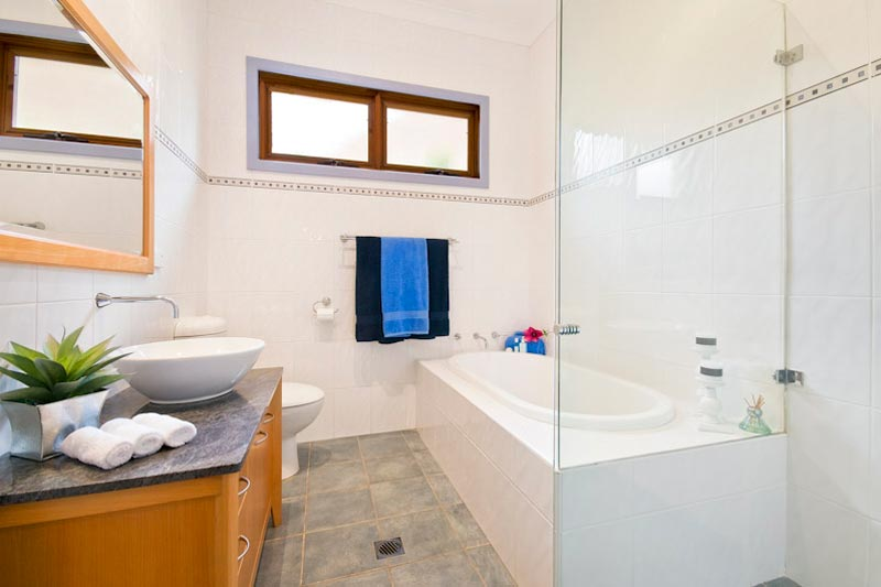 Large home with subtle street presence Killara - bathroom