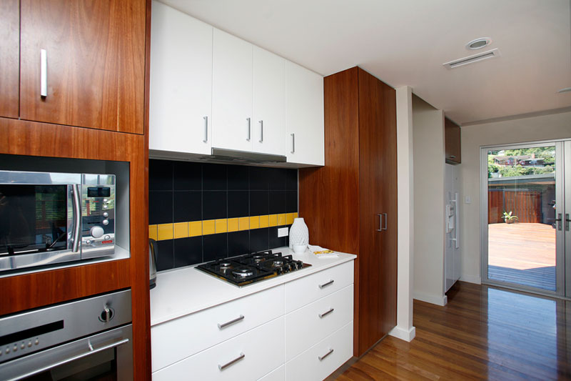 Kyogle steel house - kitchen