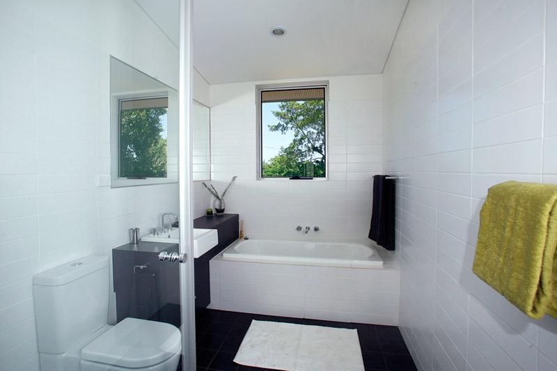 Kyogle steel house - master bathroom