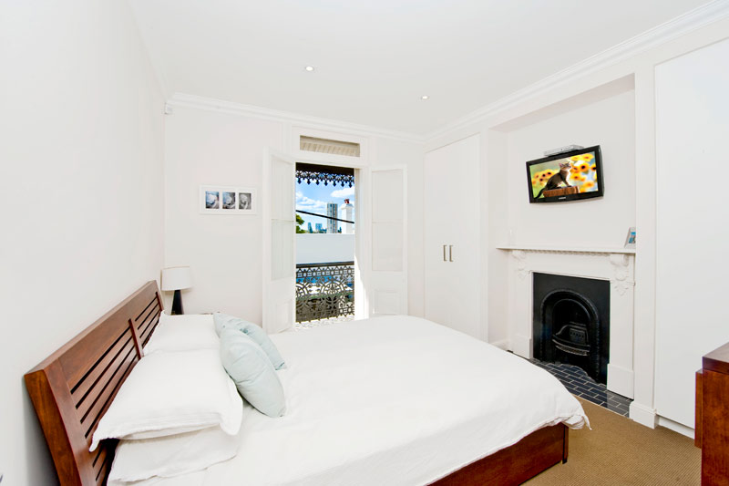 Opening up a Paddington terrace - bedroom
