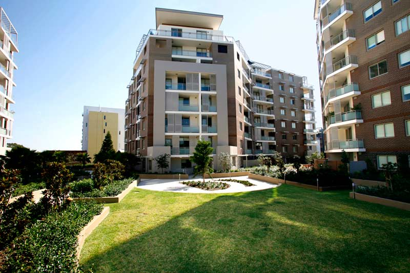 Rina apartment buildings Mascot - garden