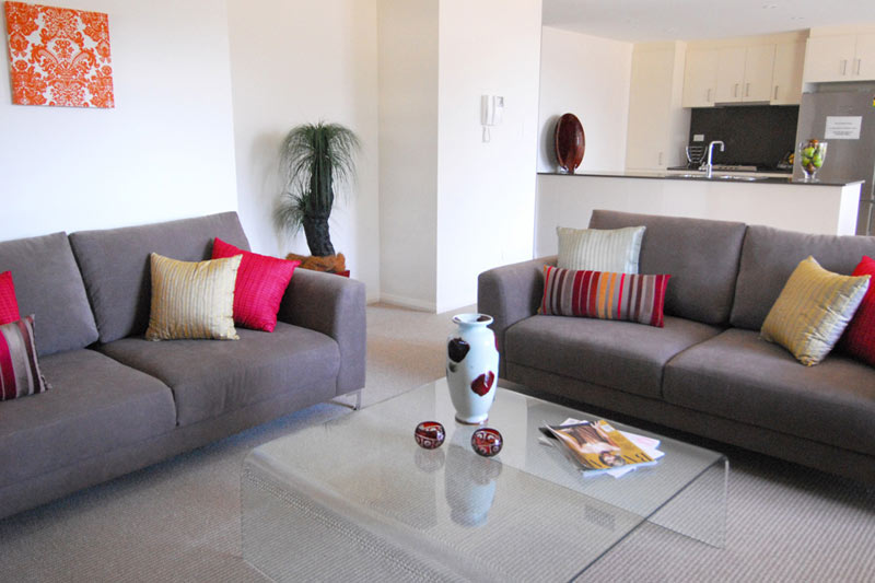 Rina apartment buildings Mascot - living room