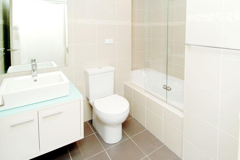 Waterside semis Maroubra - bathroom