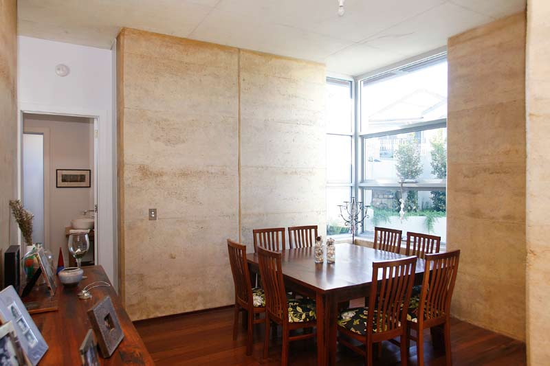 Rammed Earth Coogee House - dining - Coogee architects