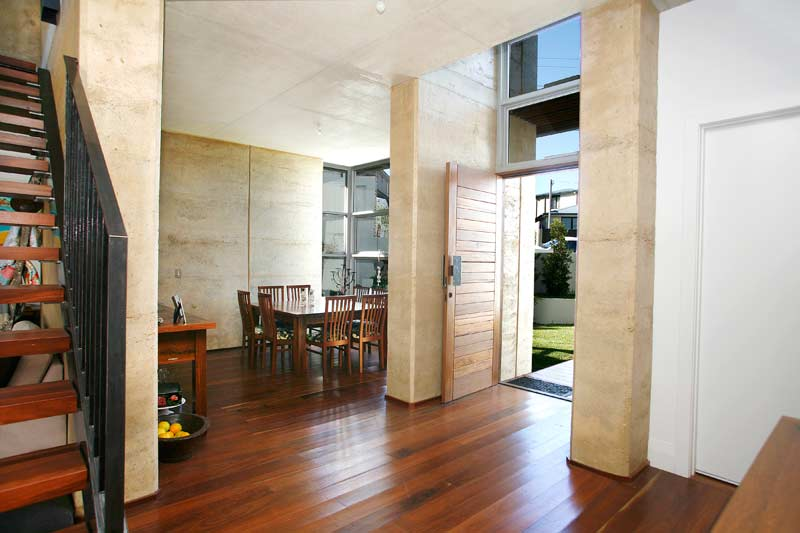 Rammed Earth Coogee House - entrance hallway - Coogee architects