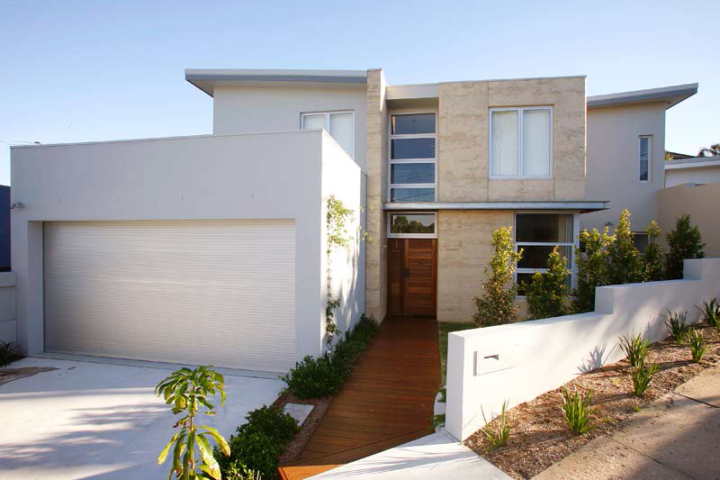 Rammed Earth Coogee House - front view - Coogee architects