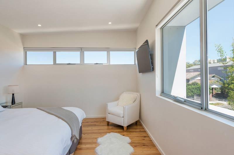 Coogee corner house - master bedroom