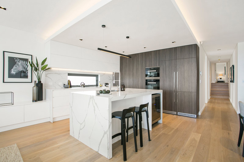 Grand waterview apartments Mosman - kitchen