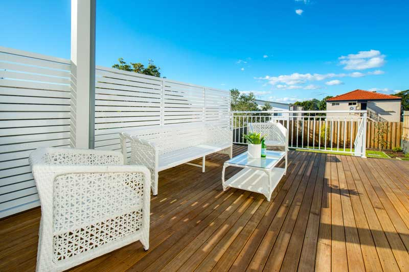 Spacious duplex beach houses - deck