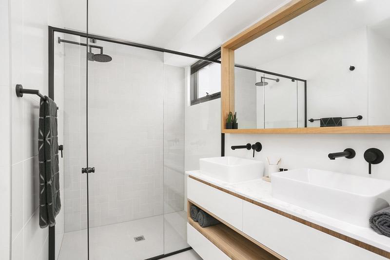 Bronte Beach duplex with spacious attics - bathroom