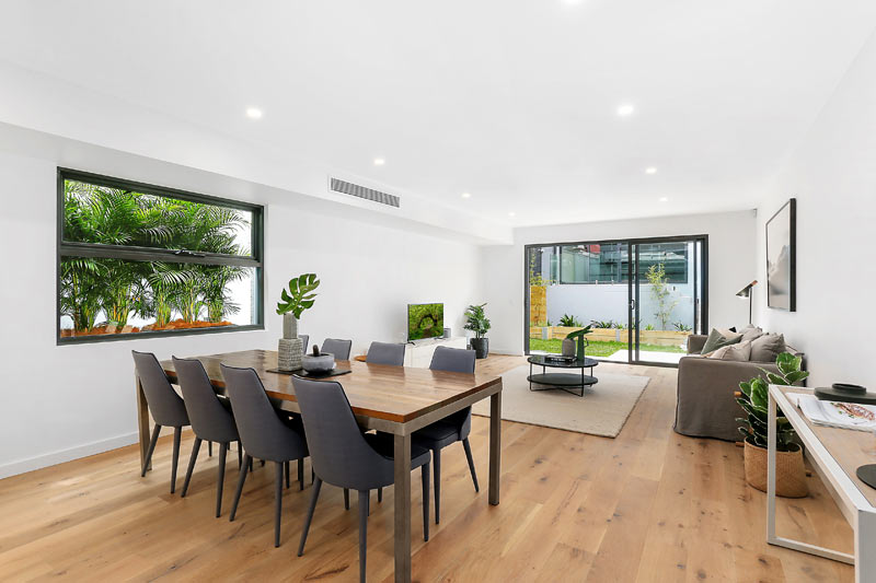 Bronte Beach duplex with spacious attics - dining