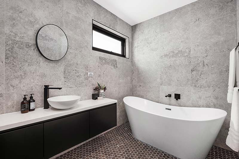 Rose Bay corner duplex - bathroom