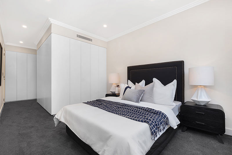 Rose Bay corner duplex - bedroom
