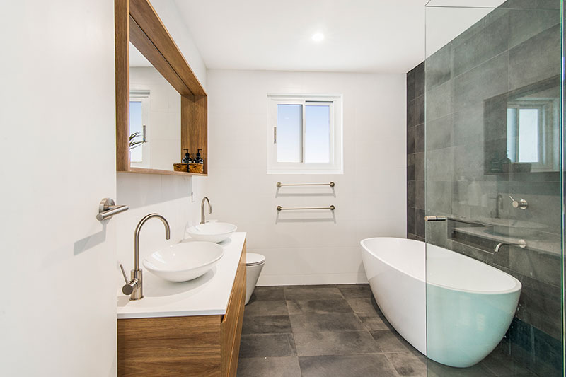 Chifley connections with garden and light - bath