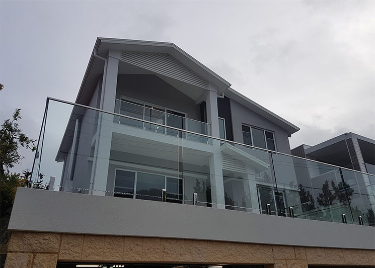 Clerestory windows light up Coogee upper storey - from street