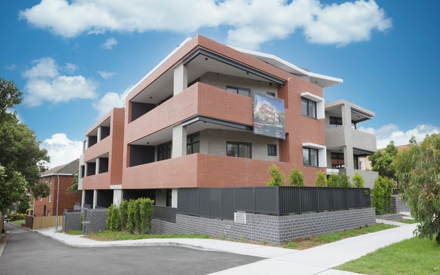 Coogee corner apartments - street view - Edifice Design Coogee Architects