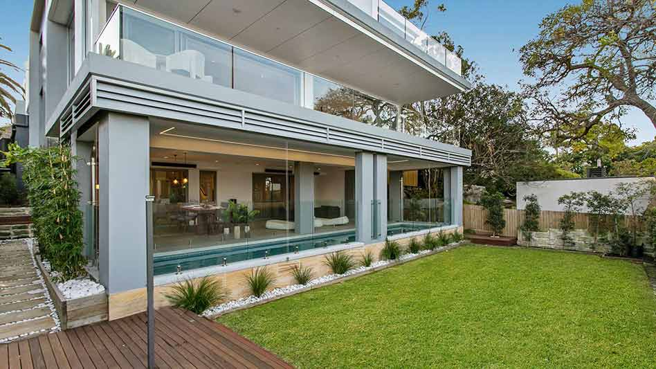 Grand waterview apartments Mosman - garden to lap pool