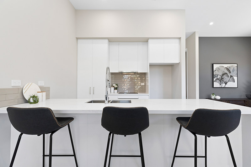 Leafy creekside large family townhouses Gymea - kitchen