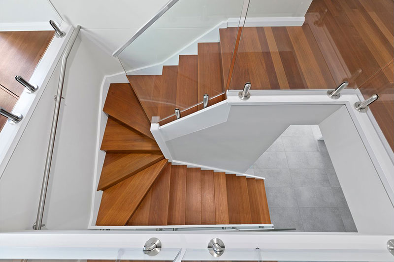 Leafy creekside large family townhouses Gymea - stair