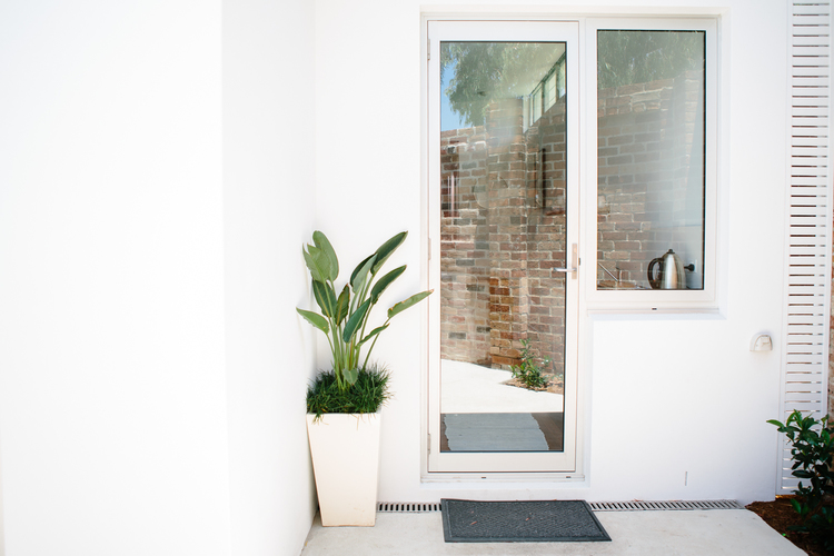 Rammed Earth Coogee House granny flat - glass door